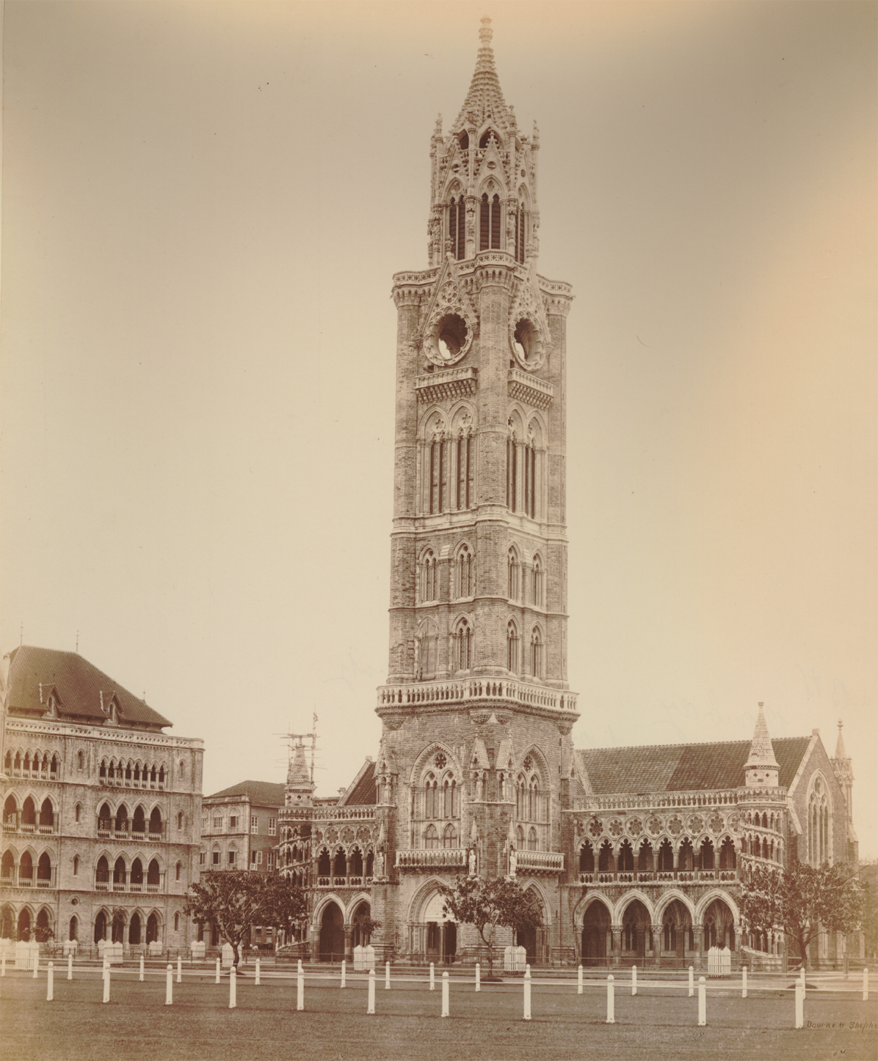 British-Colonial-Architecture-in-India-Rajabai-Clock-Tower-Mumbai