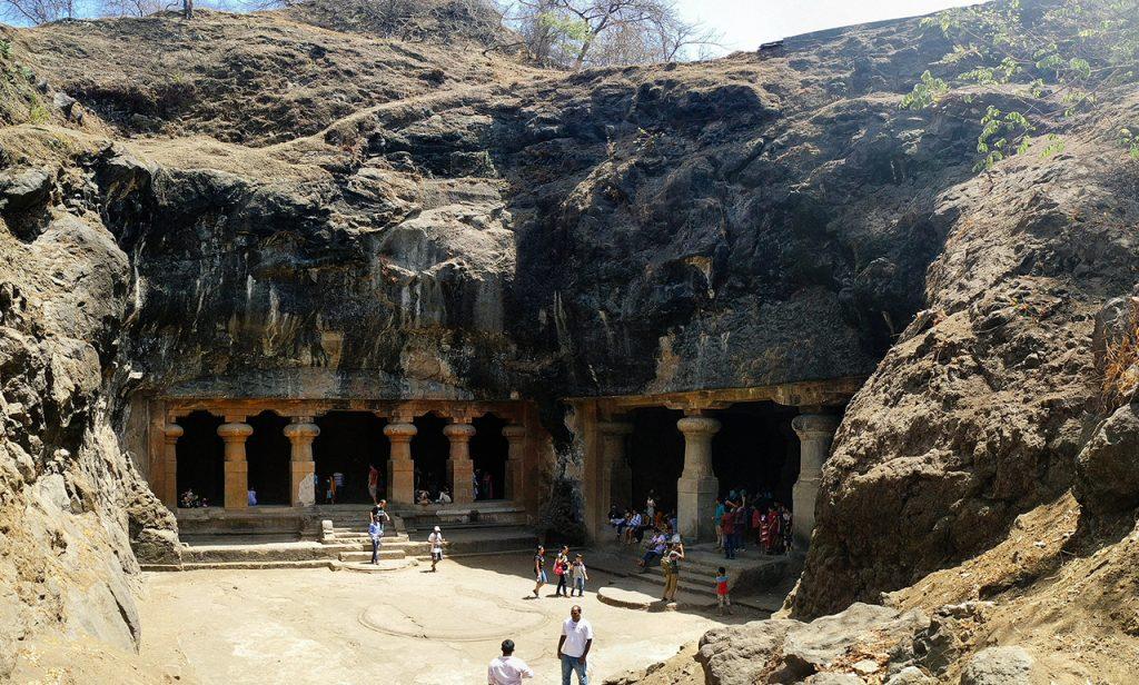 Famous-Historical-Places-in-Mumbai-Elephanata-Caves