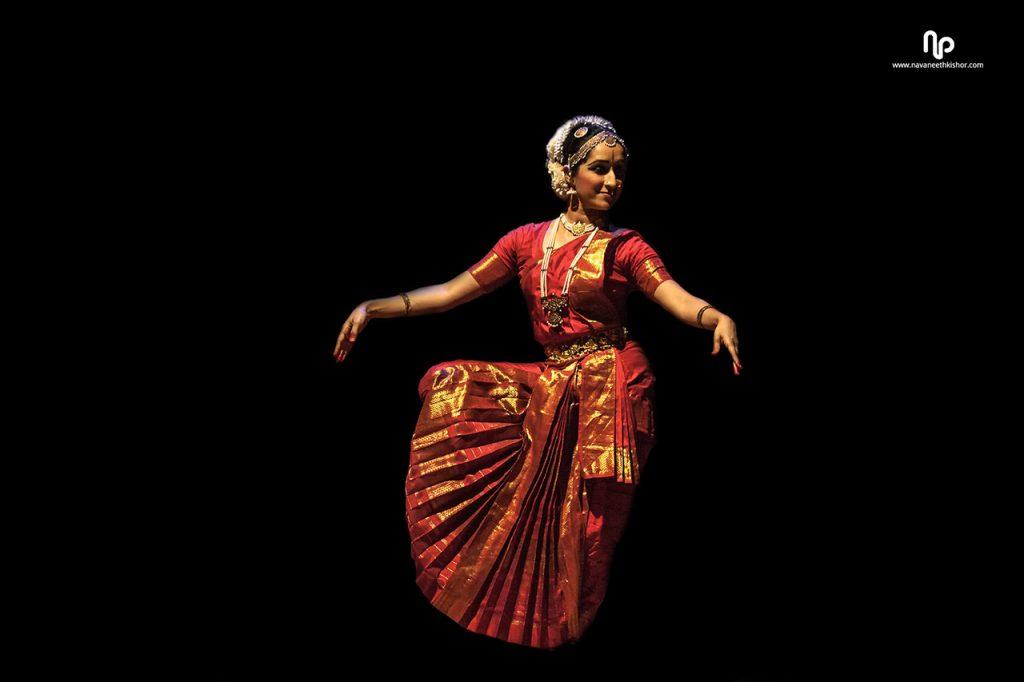 Traditional-Costumes-of-Indian-Classical--Dances-Kuchipudi