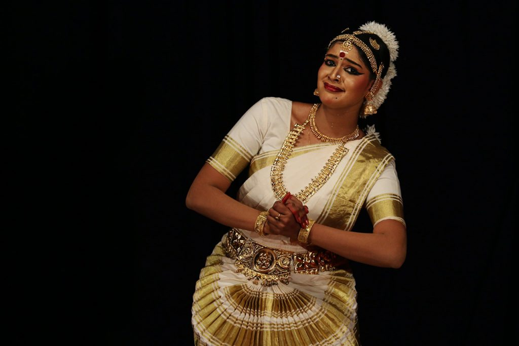 Traditional-Costumes-of-Indian-Classical--Dances-Mohiniyattam