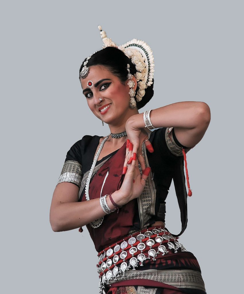 Traditional-Costumes-of-Indian-Classical--Dances-Odissi
