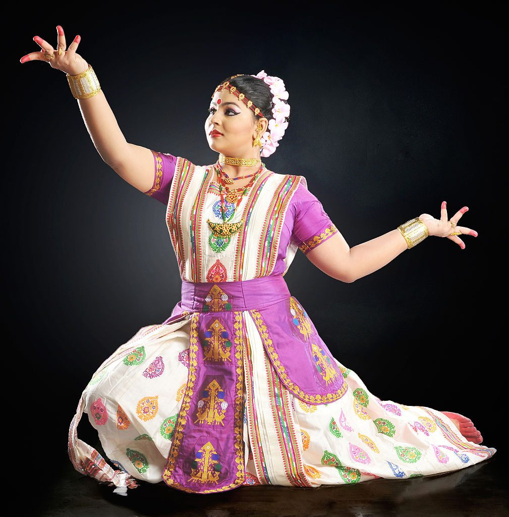 Traditional-Costumes-of-Indian-Classical--Dances-Sattriya