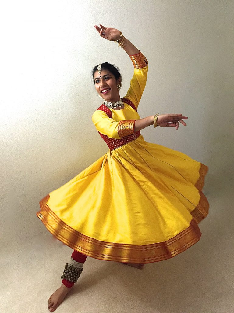 Traditional-Costumes-of-Indian-Classical--Dances-kathak