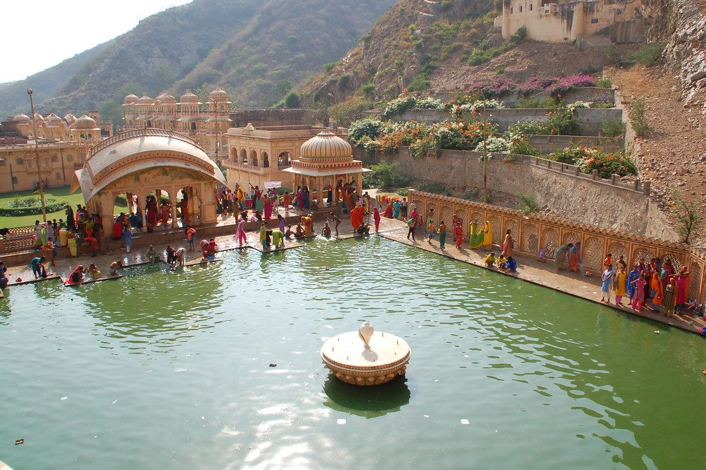 offbeat-Places-in-Jaipur-Galta-Temple