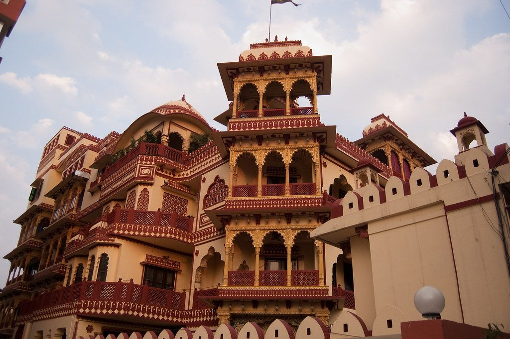 offbeat-Places-in-Jaipur-Umaid Bhawan Hotel