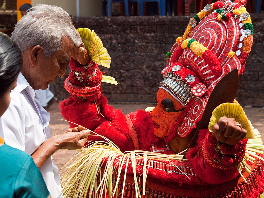 Theyyam-Folk-Art