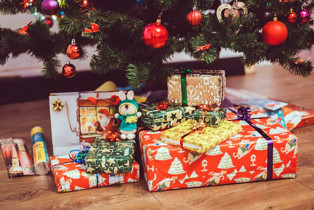 Christmas Gift Ideas for Grandparents Who Live Far Away