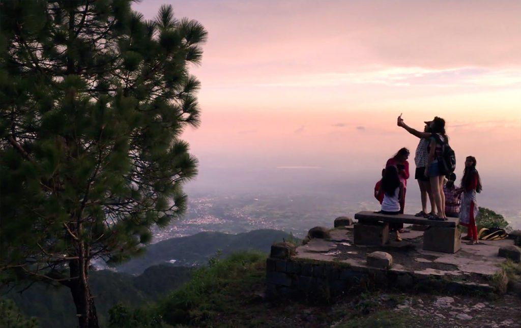 Experiencing-the-Winter-Vibes-of-Kasauli-Sun-set-point-Kasauli