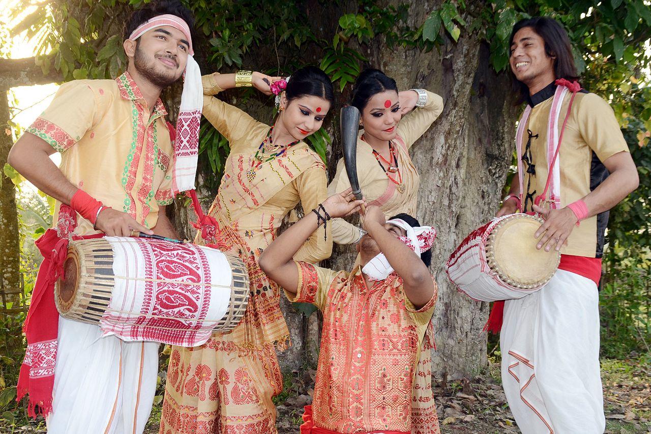 Folk-Dance-Forms-of-Northeast-India Bihu_dance_of_Assam