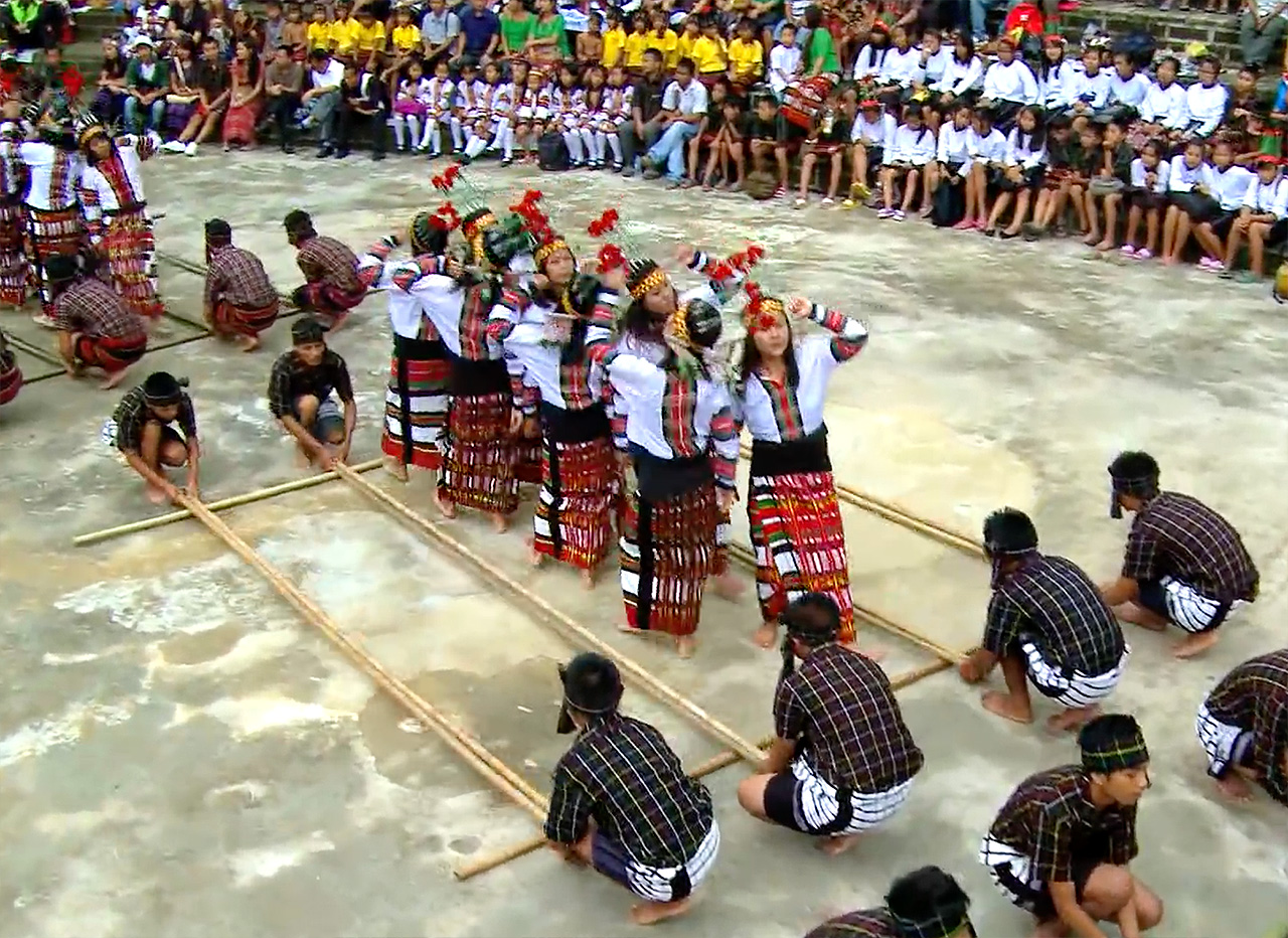 Folk-Dance-Forms-of-Northeast-India-Cheraw-Mizoram