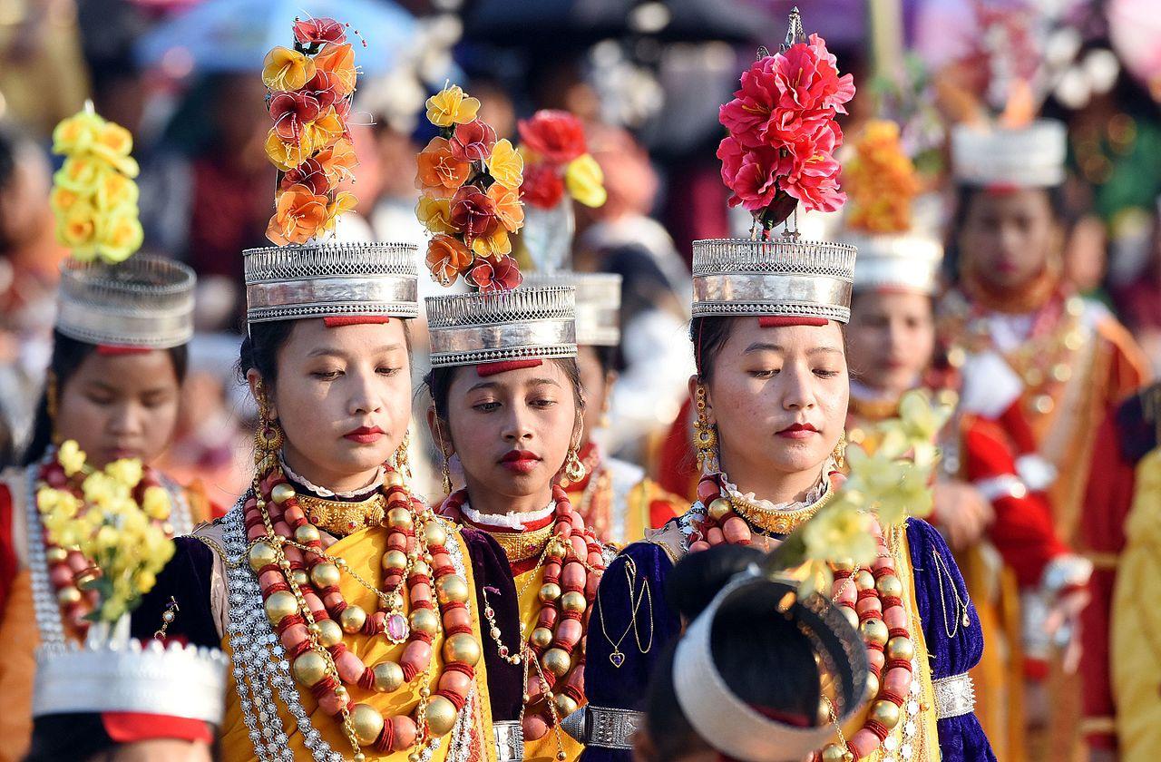Folk-Dance-Forms-of-Northeast-India Shad Suk Mynsiem Meghalaya