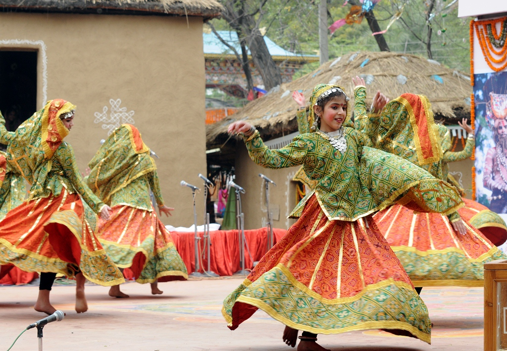 Folk-Dance-Forms-of-Central-India Ghoomer Dance