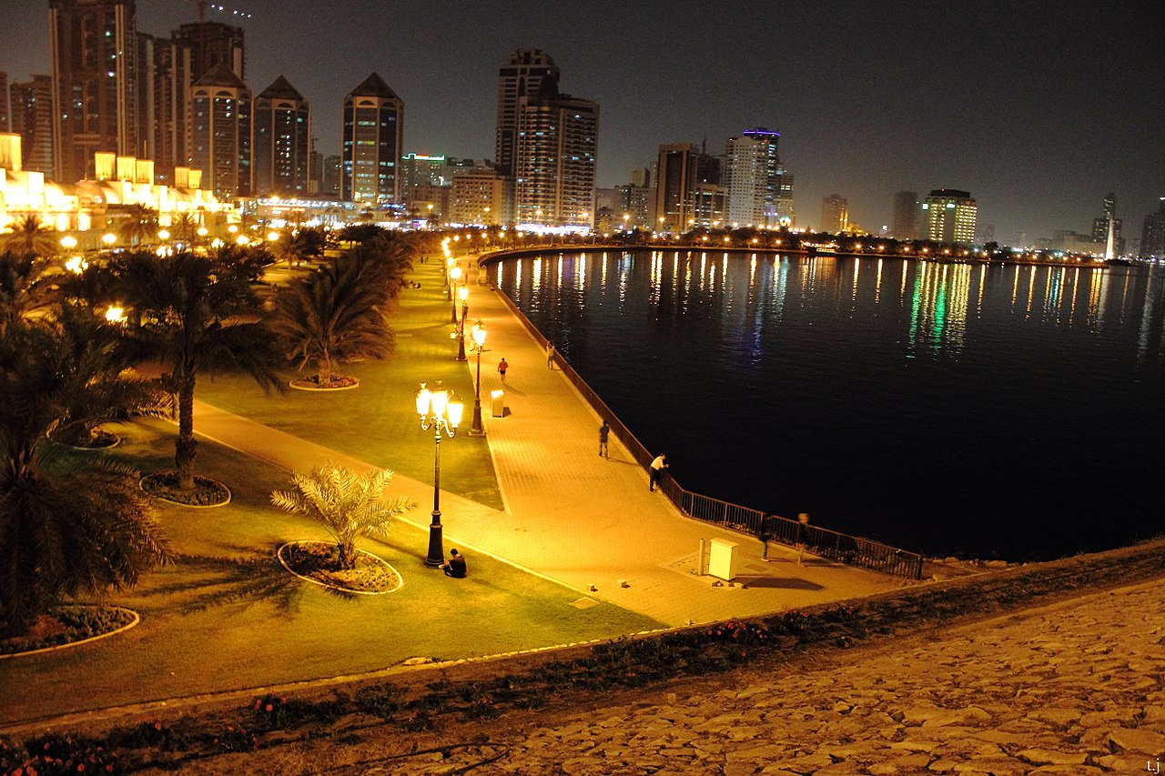 Top-Offbeat-Destinations-in-Sharjah Gold_Souk_Corniche
