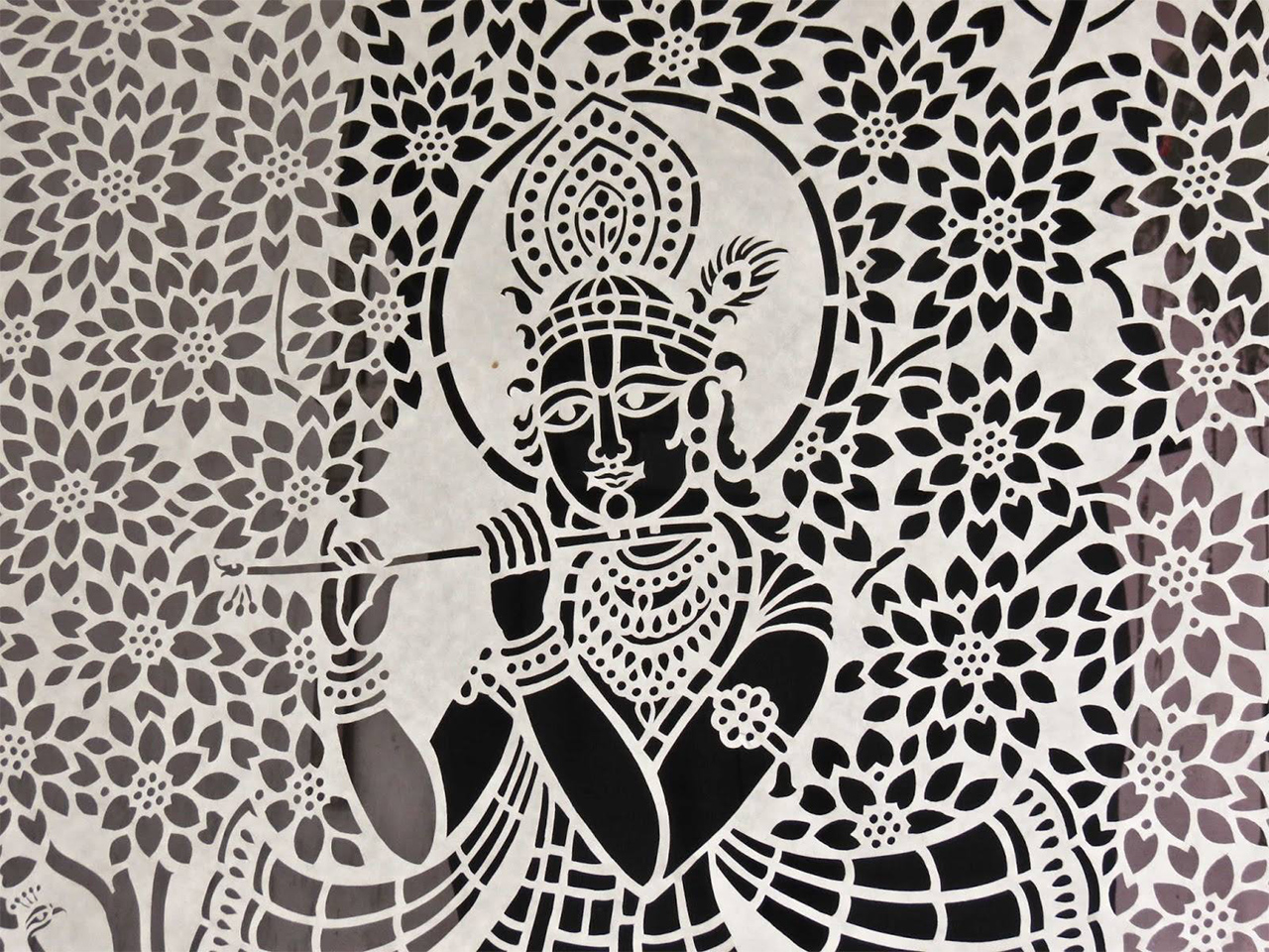 paper-crafts-of-India-sanjhi-art