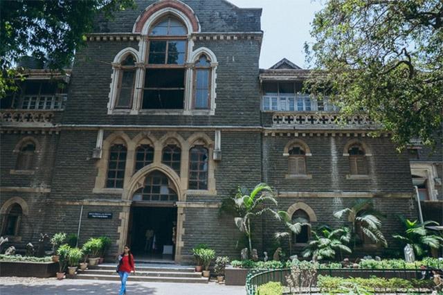 10-Best-Fine-Arts-Schools-of-India-JJ-School-of-Art