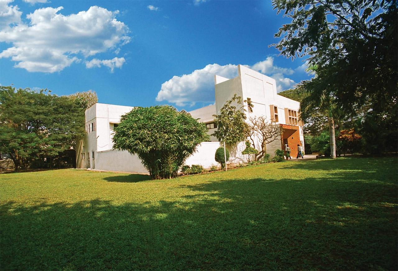 10-Best-Fine-Arts-Schools-of-India-L.S-Raheja-University