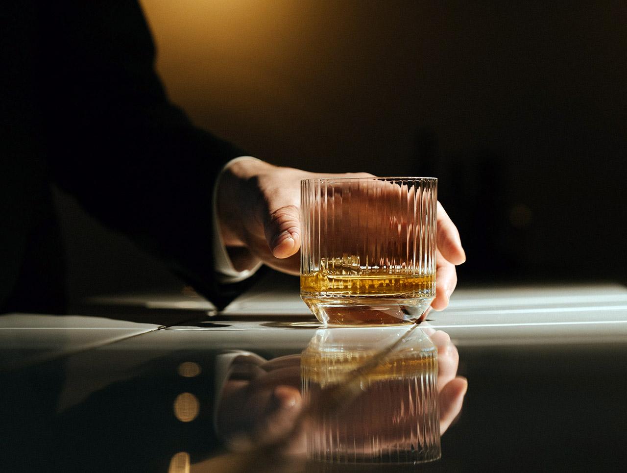 Hibiki-12-Whiskey-03