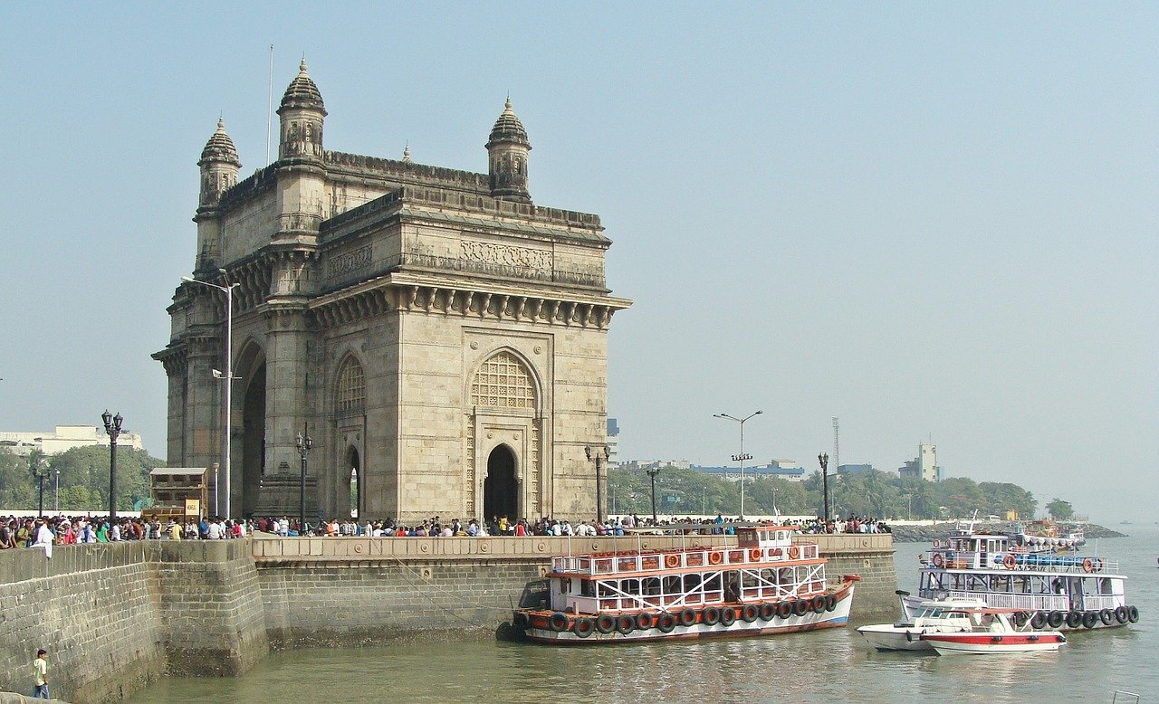 Indian-Monuments-That-Your-Child-Should-Know Gateway-of-India