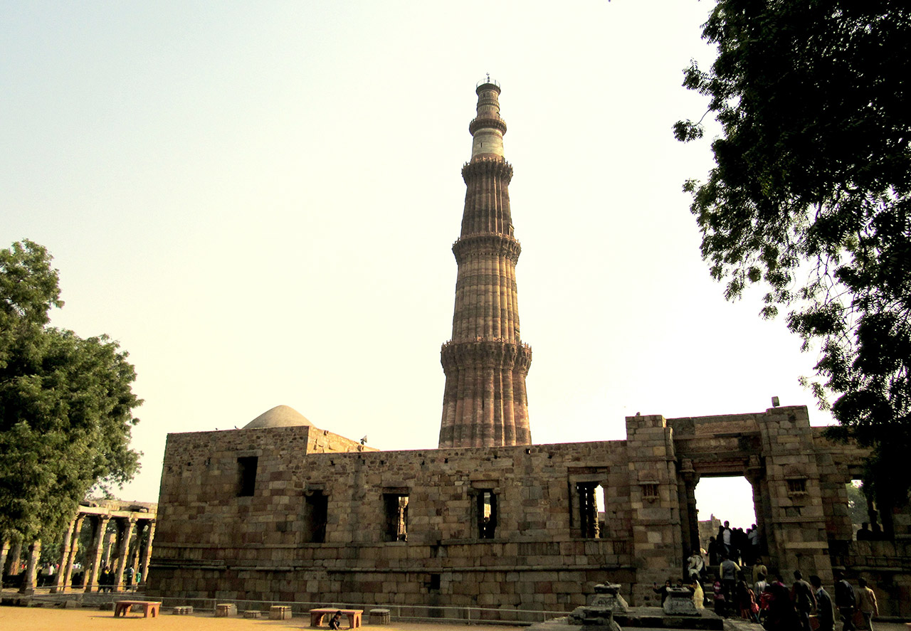 Indian-Monuments-That-Your-Child-Should-Know-Qutub-Minar
