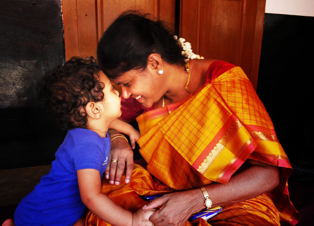 Teach-Traditional-Indian-Family-Values-To-Children