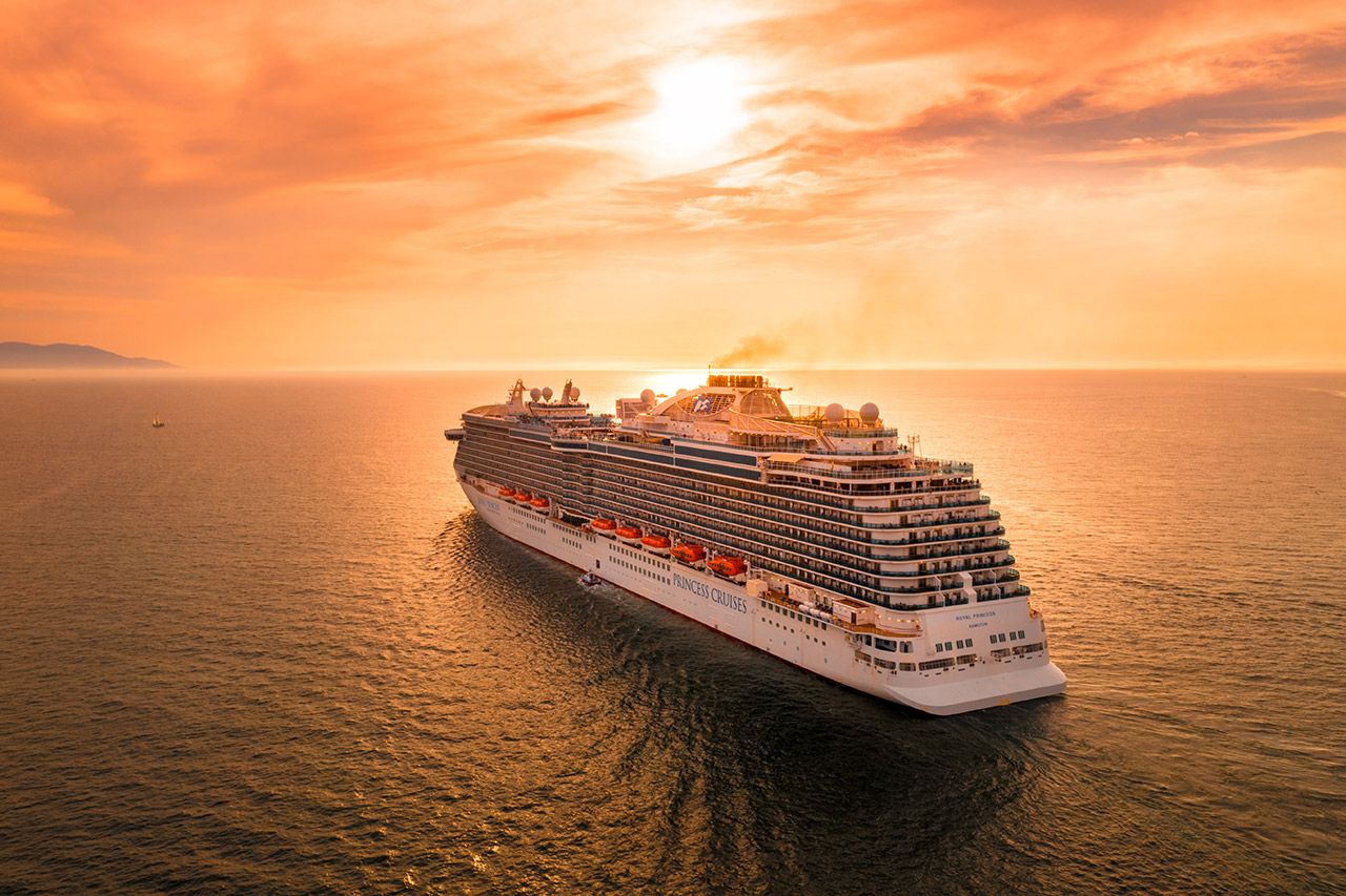 Traveling-to-the-Middle-East-via-cruise