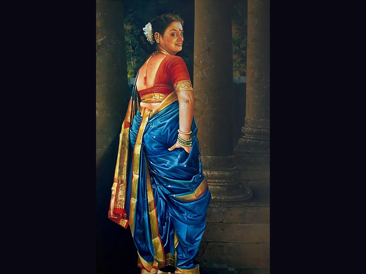 Traditional-Dresses-of-Maharashtra-Nauvari-Saree