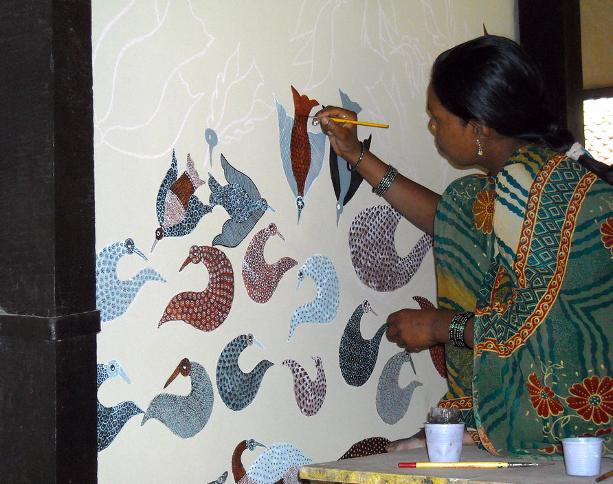 Gond Artist Painting