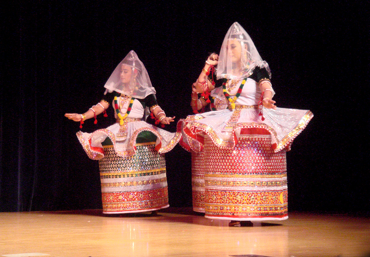Classical-Dances-of-India-Manipuri