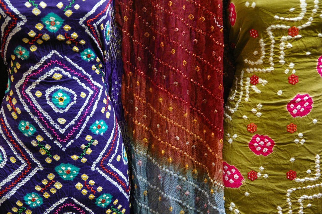 Handicrafts-from-Gujarat Bandhani