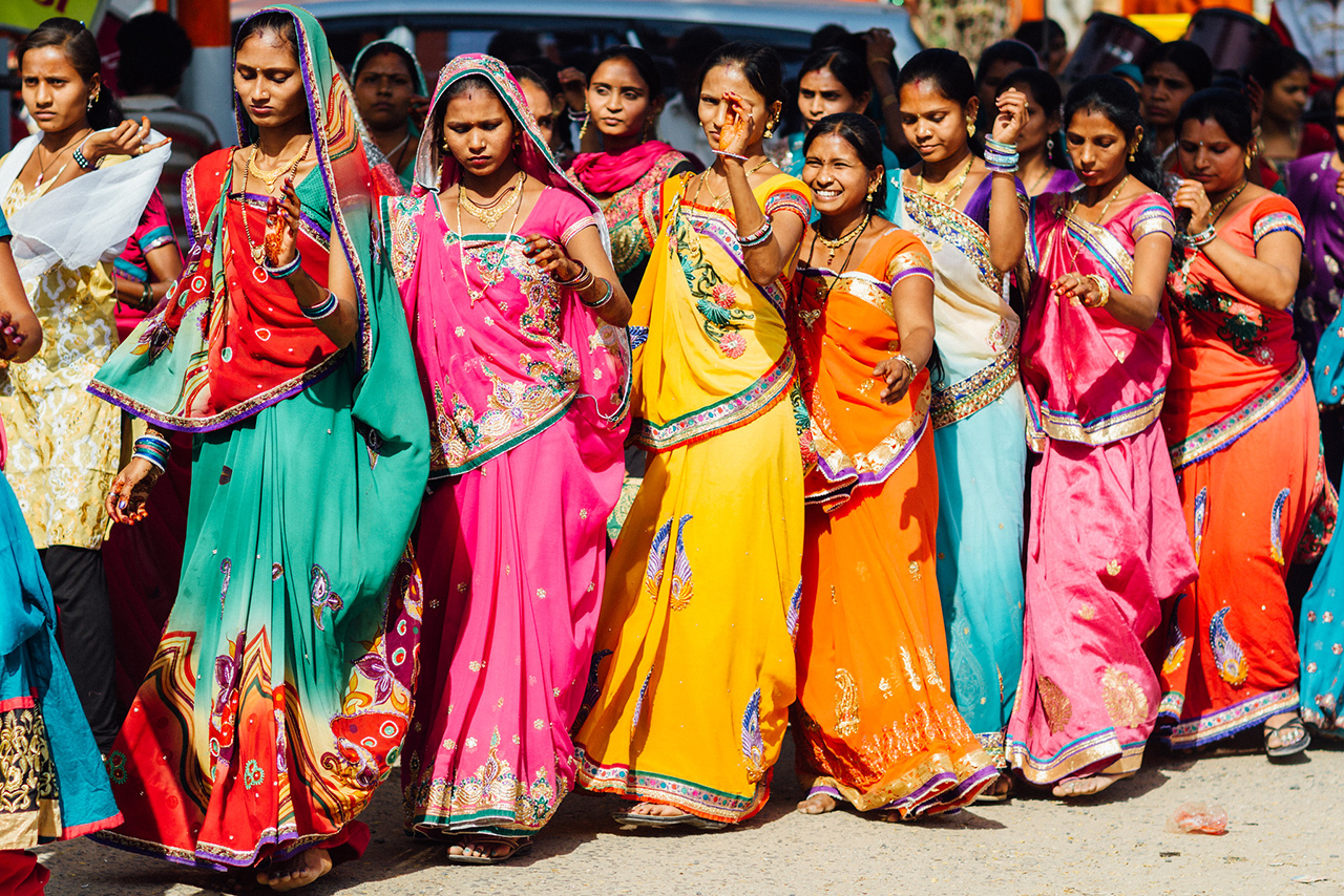 Traditional-Dresses-of-Gujarat-in-the-Present-Day