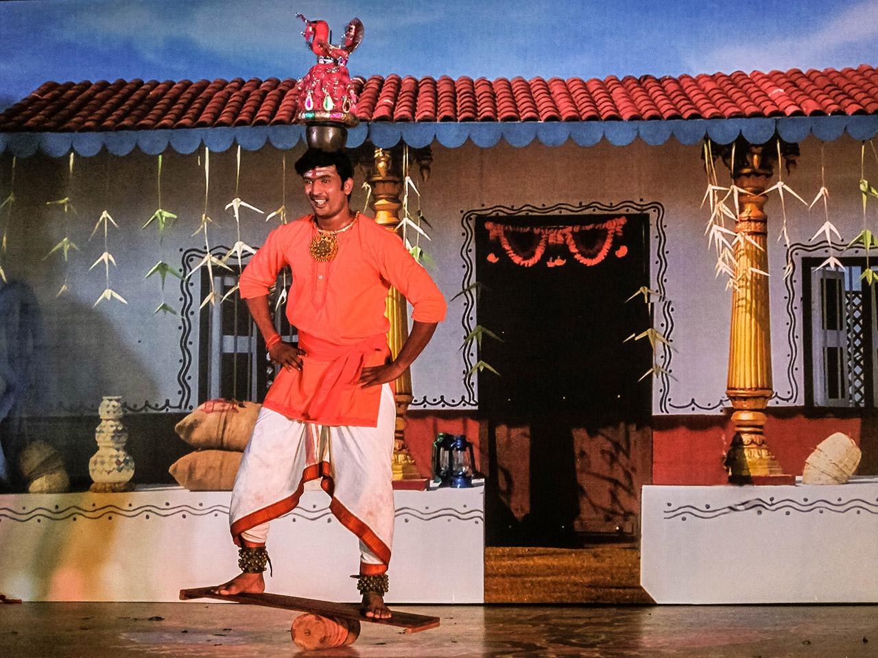 Art-Forms-Of-Tamil-Nadu-Karakattam-01