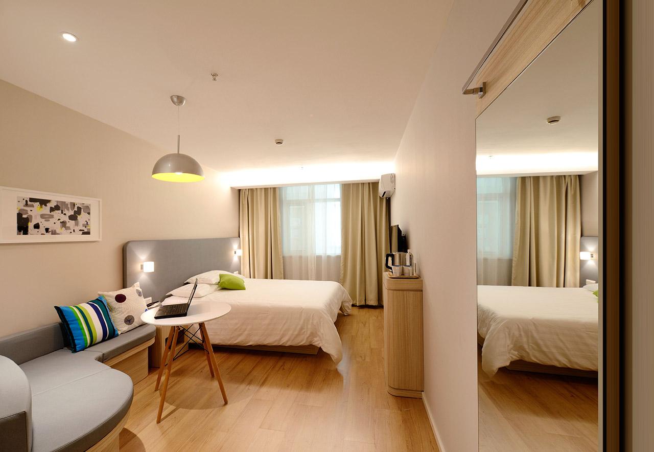 Wall-Decor-Ideas-for-Bedroom-05