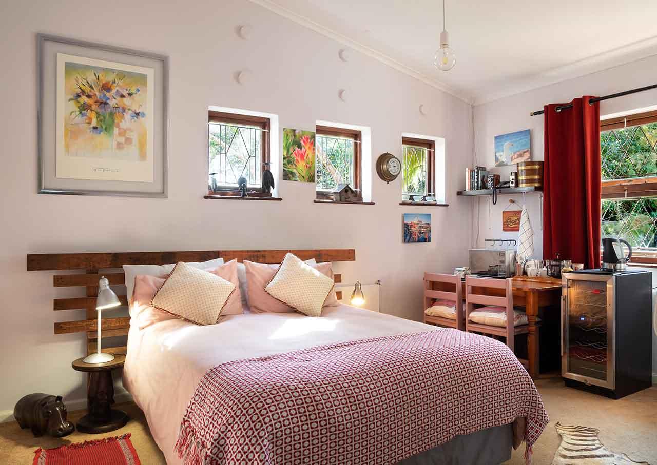 Wall-Decor-Ideas-for-Bedroom