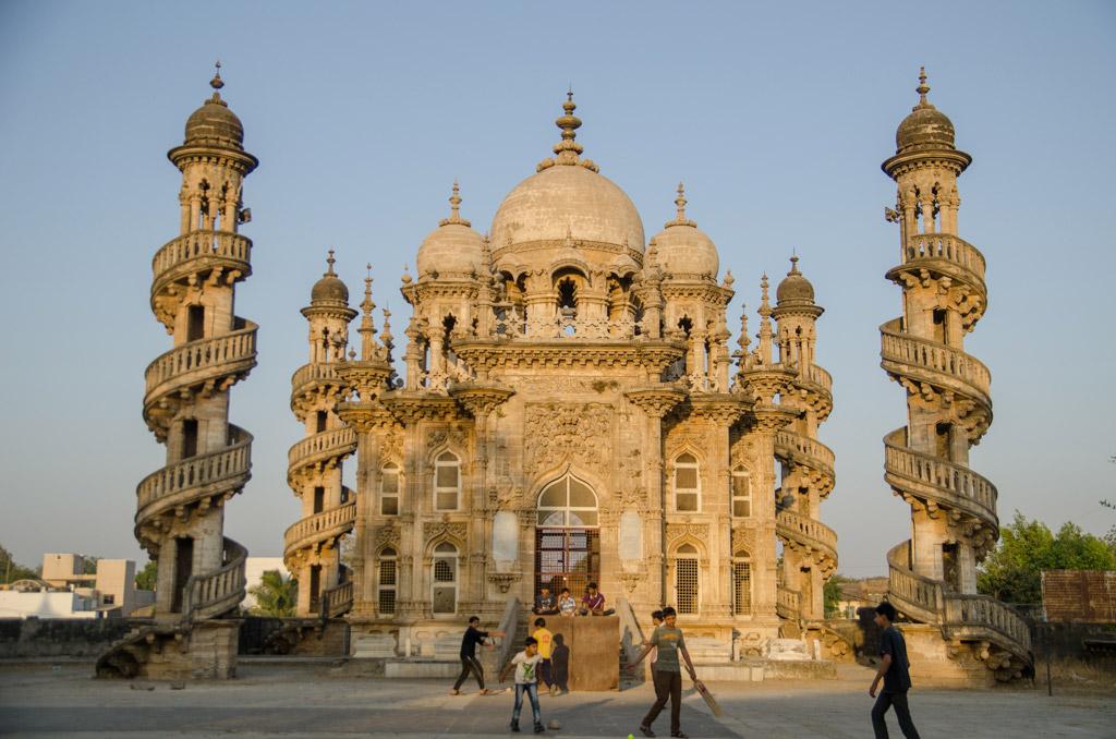 Culture-of-Gujarat-Architecture-Mahabat-Maqbara