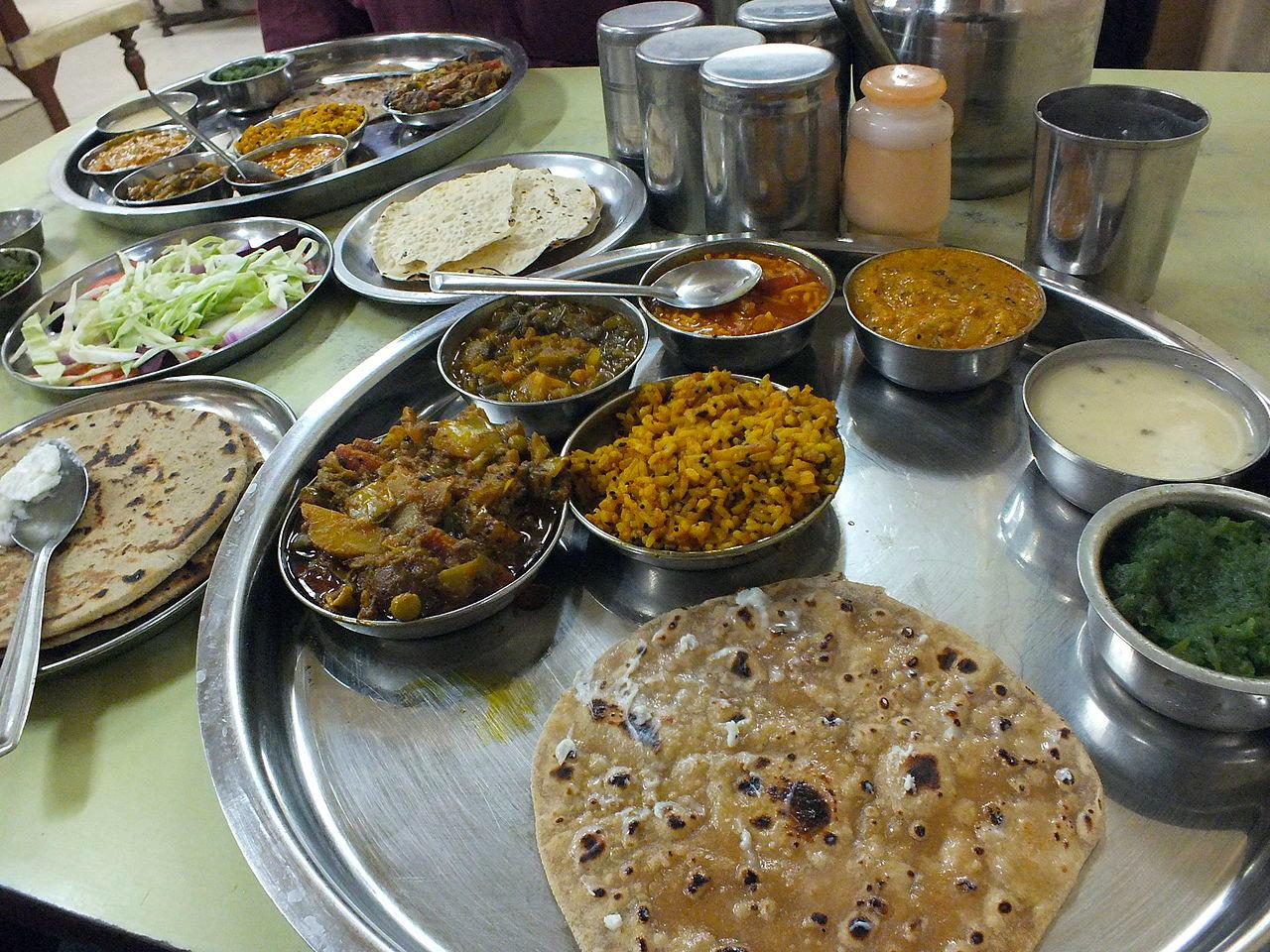 Gujarat-Food-Culture-Gujarati-Thali