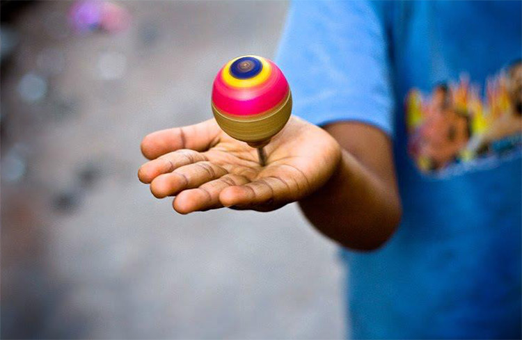 Traditional-games-of-India-Lattoo