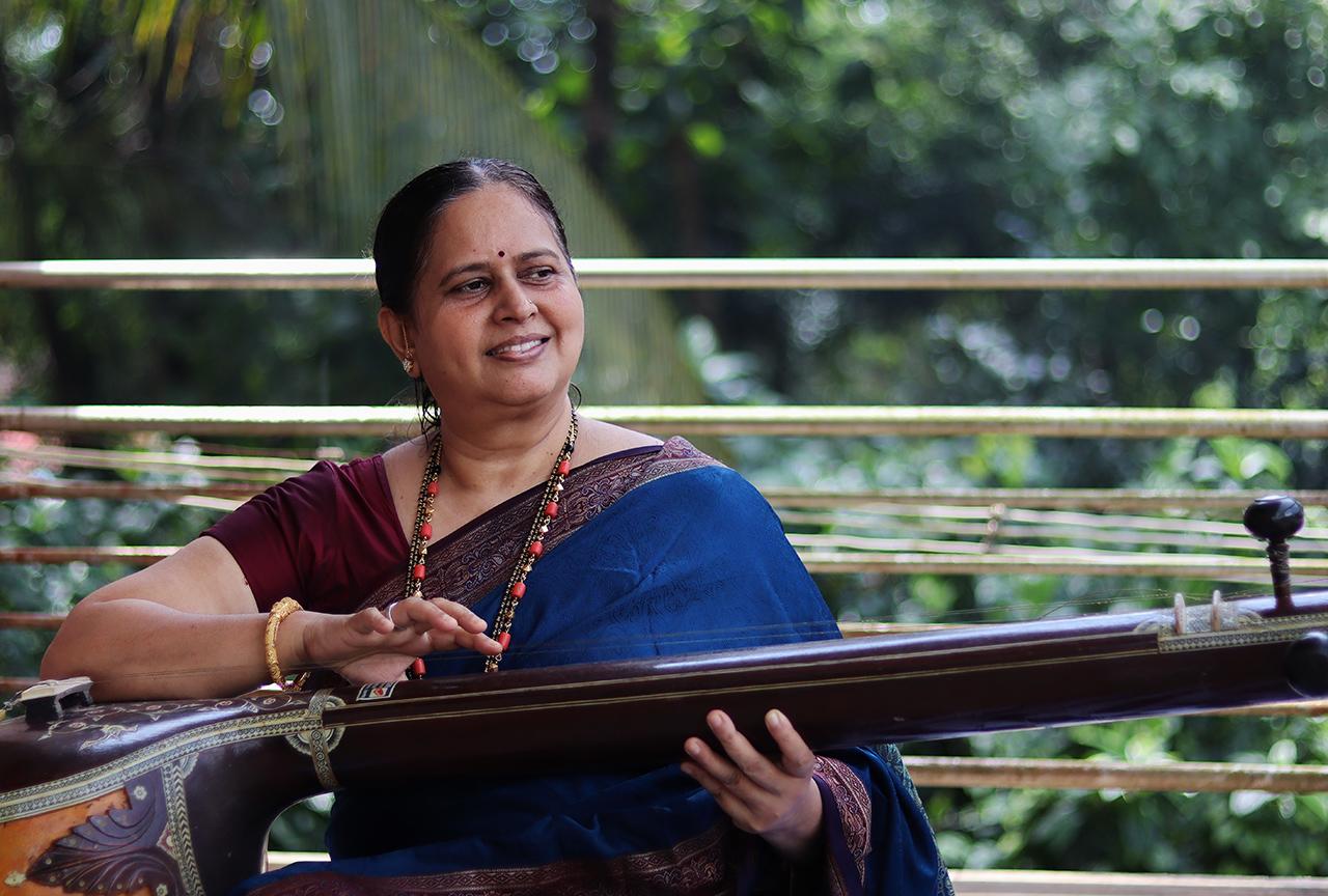 Traditional-Dresses-of-Karnataka-01