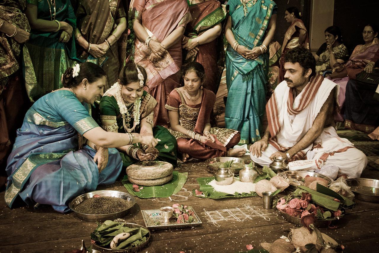 Traditional-Dresses-of-Karnataka-03