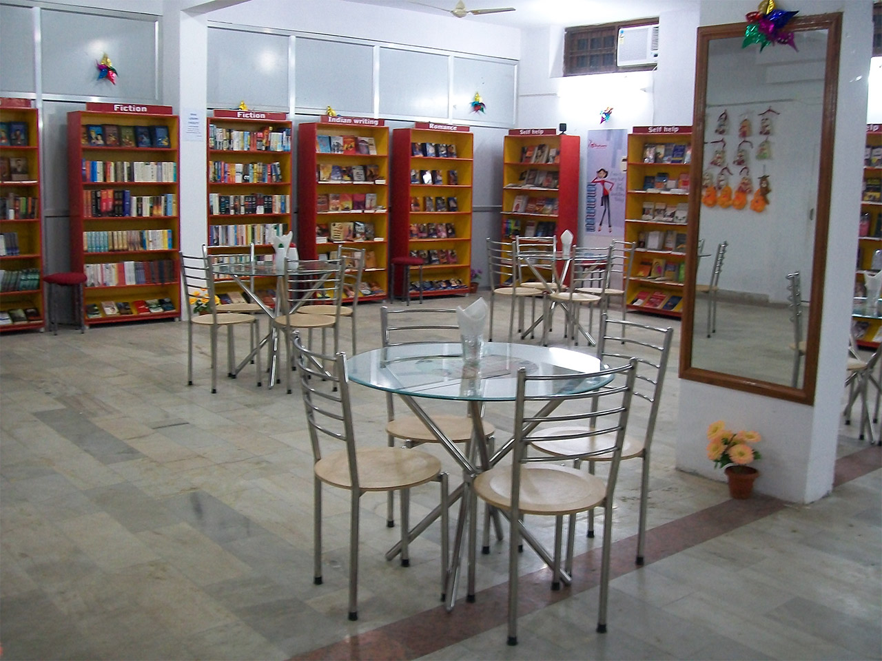 Book-Cafes-In-India-Cafe-Bookworm-Lucknow