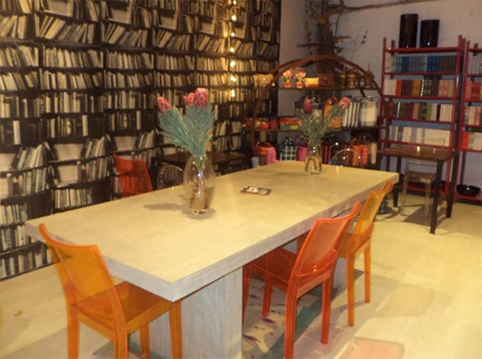 Book-Cafes-In-India-Moon-River-Cafe-delhi