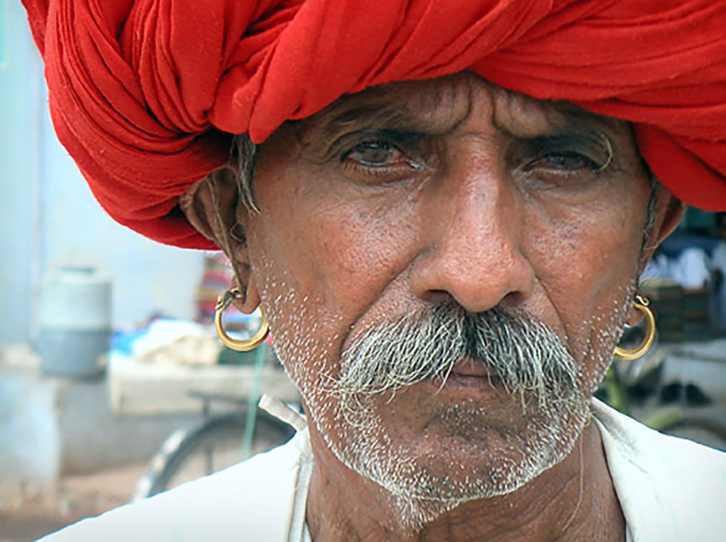 Traditional-Dress-of-Rajasthani-male-accessories