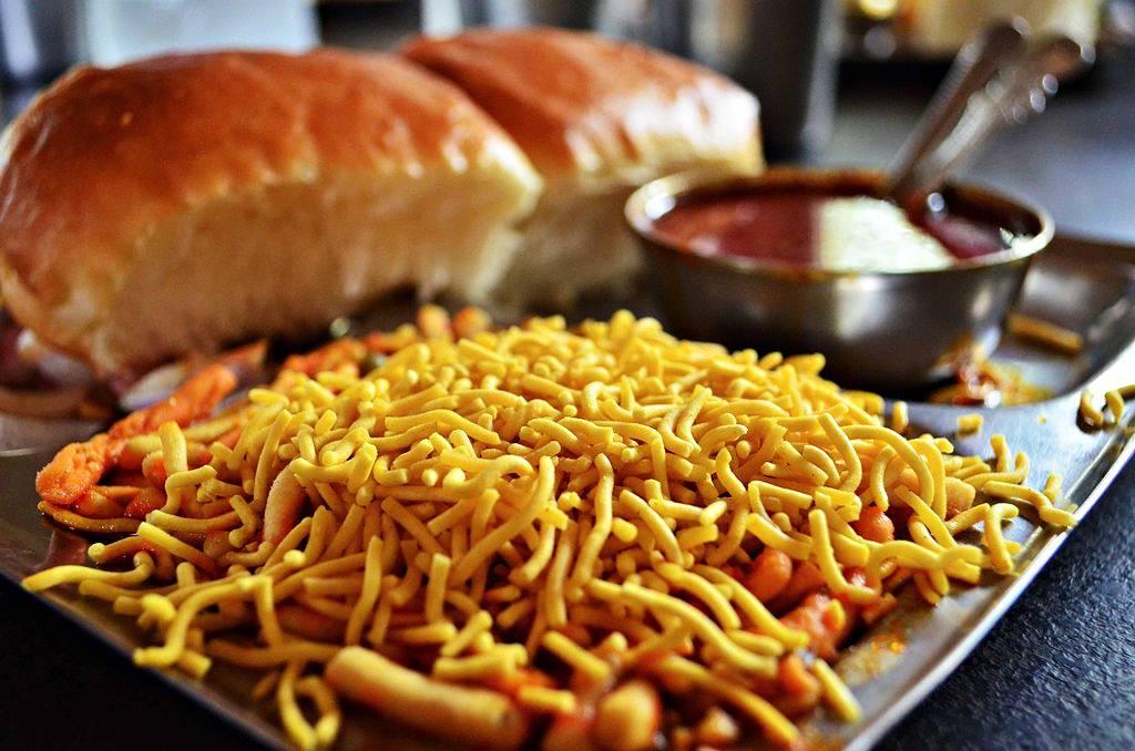 Misal Pav-Pune Food Culture