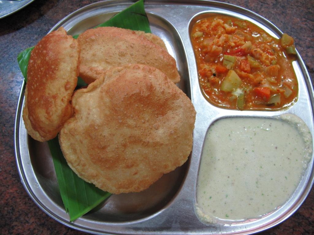 Mysore-Famous-Food Poori Saagu