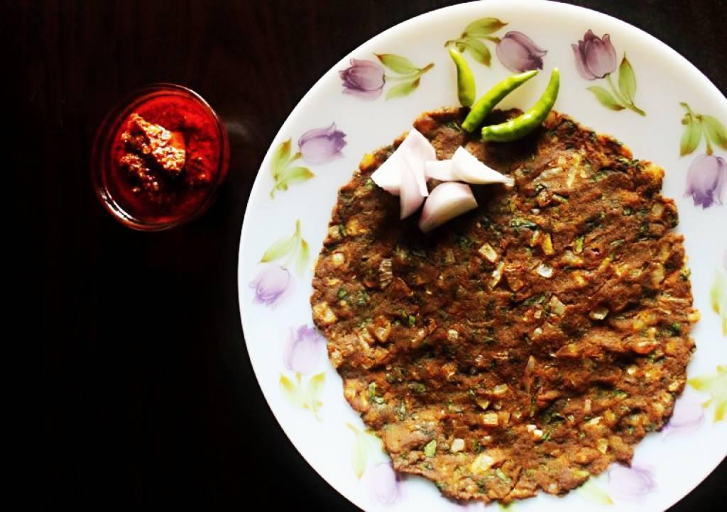 Bhajaniche Thalipeeth-Pune Food Culture