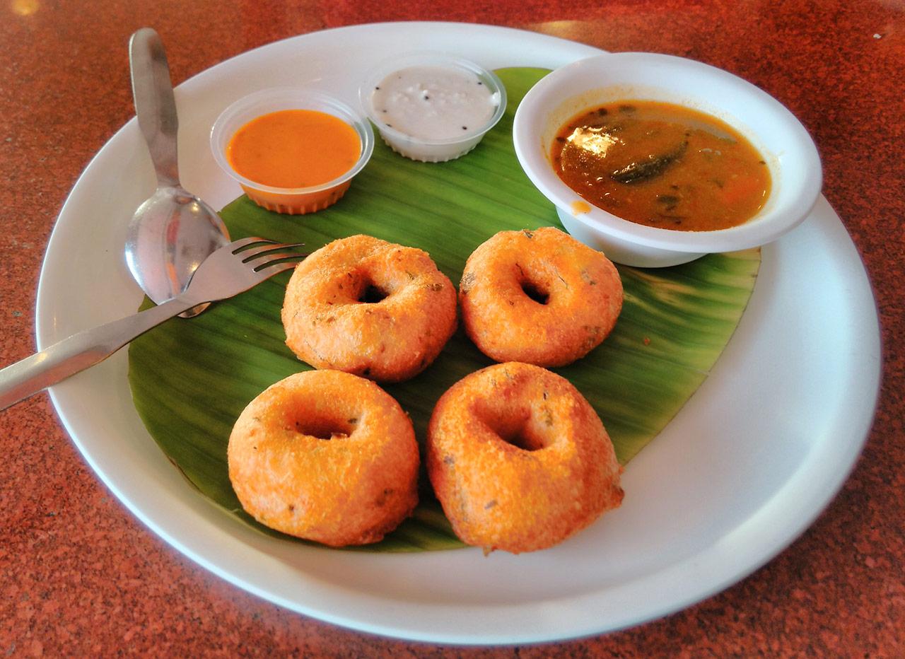 Uddina-Vada-Mysore-Famous-Food