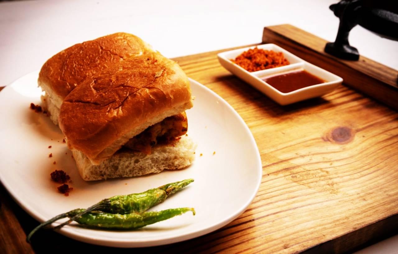 Vada Pav-Pune Food Culture