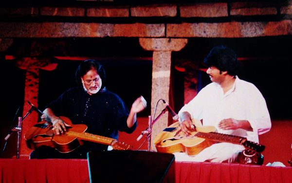Vasantahabba - Pandit Vishwa Mohan Bhatt and his son