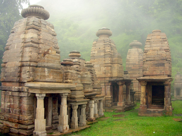 OffbeatTravel North India - katarmal sun temple